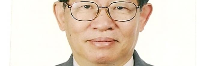 Parris H Chang